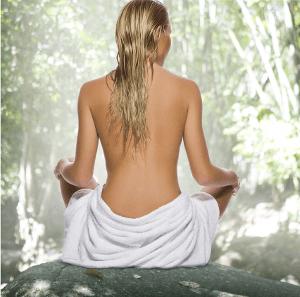 Pickel am Rücken können durch verschiedene Faktoren begünstigt werden