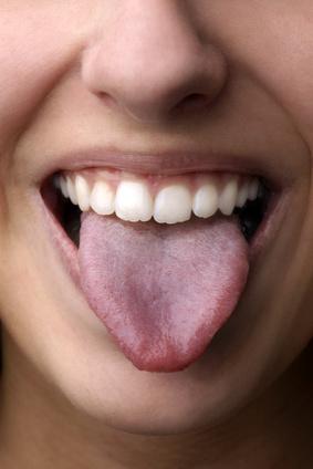 Eine belegte Zunge kann viele Ursachen haben