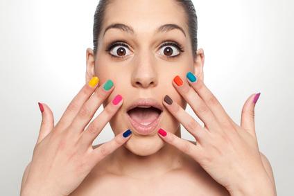 Immer mehr Frauen setzen auf UV-Nagellack